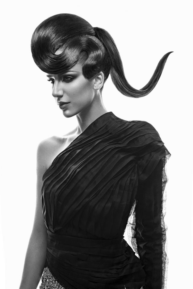 Textures Dream Collection   Hair by: Rafael Bueno MUA: Jorge Fortes Photographer: Alberto Zaldívar Hair assistant: Moyses Utrera Model: Ara Jurado Stylist: Desire Espinosa y Ozul  Production: DE. Management Products: Revlon Professional