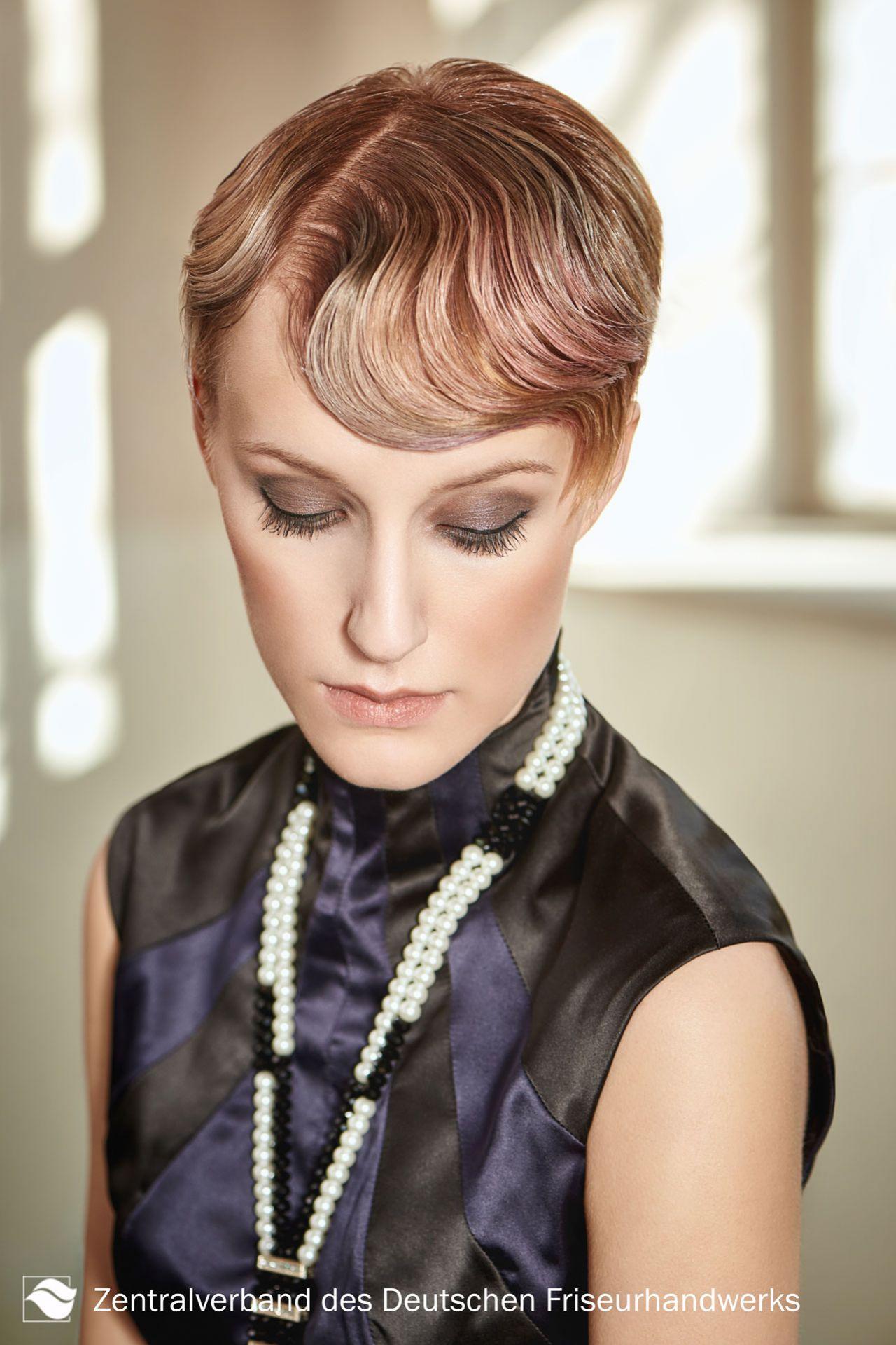 Die Trend Frisuren Kollektion Sleek Wavy